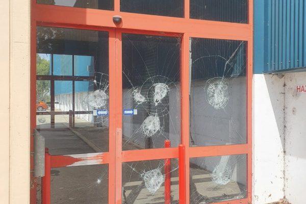 commercial-glass-repair6
